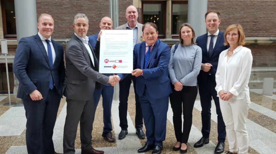 volwassenen,petitie,Heel Nederland Mediawijs