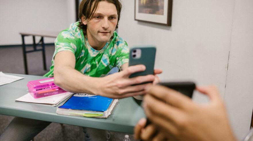 Student met smartphone