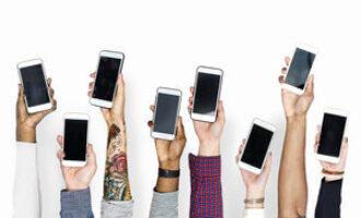 Smartphones in de lucht voor de Week van de Mediawijsheid 2021